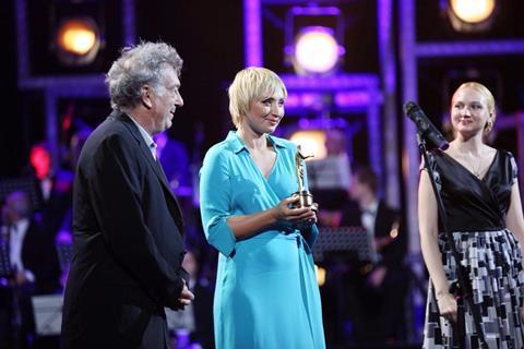 Stephen Frears receives the Golden Duke Lifetime Achievement Award